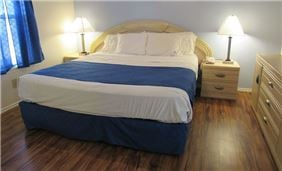 Executive Suite Bed