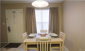 Guestoom Dining Area